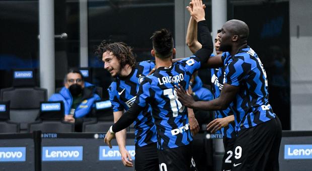 Serie A, l'Inter corre verso lo scudetto: sono 11 le vittorie di fila