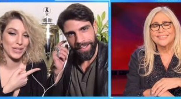 Gilles Rocca, la gaffe di Mara Venier a Domenica In fa sorridere il pubblico in studio