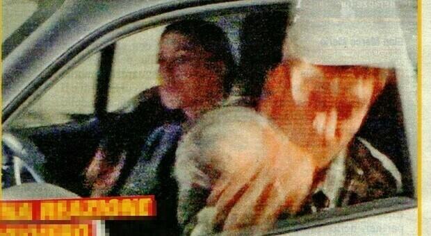 Belen Rodriguez, l'ira del fidanzato contro i paparazzi: abbassa il finestrino e lancia una bottiglia