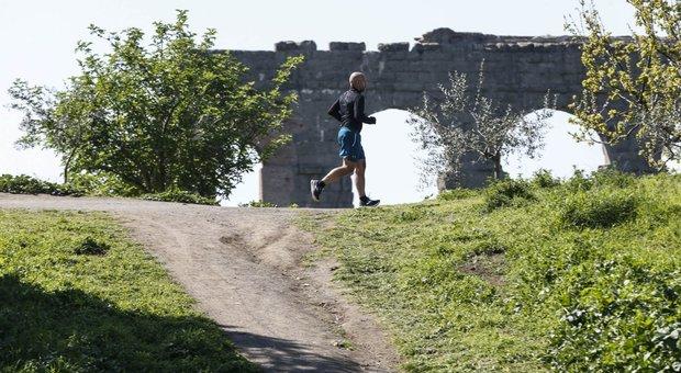 Coronavirus, città blindata più posti di blocco e stretta sui runner «Si corre sotto casa» `