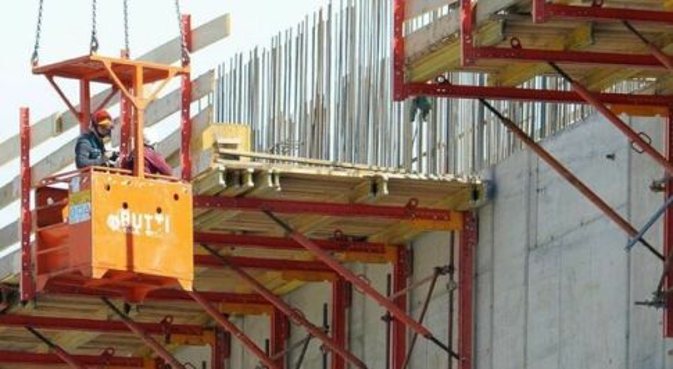 Lavoro, dietro il boom dell'edilizia non c'è solo il bonus. La Cisl: «E' allarme sicurezza»