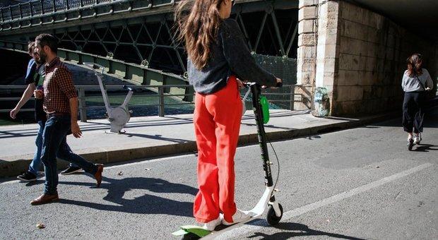 Morte sul monopattino, ora Parigi cambia le regole