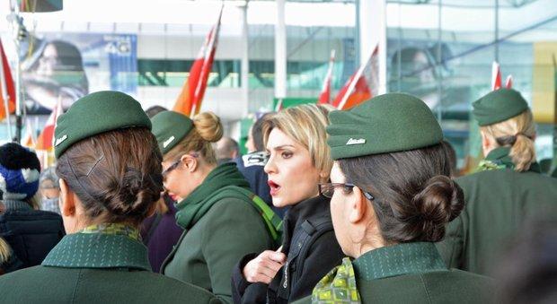 Alitalia, via al commissariamento. Calenda: sei mesi poi vendita o liquidazione