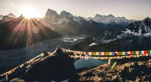 Il Monte Everest è di nuovo accessibile ai turisti, ma ecco tutte le novità
