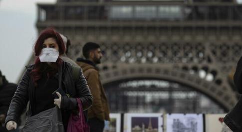 Covid, la seconda ondata «è peggiore». Allarme degli ospedali di Parigi. Altri 20.000 casi a Londra
