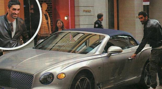 Filippo Magnini a Milano in Bentley (Chi)
