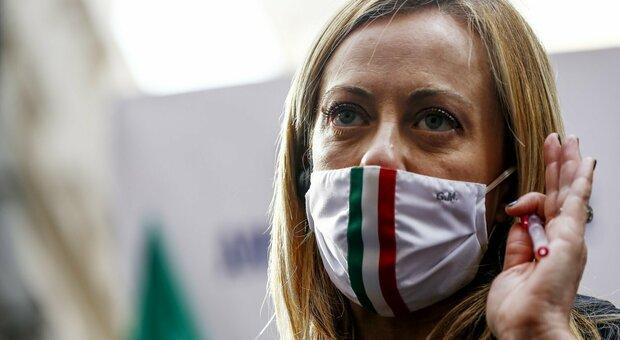 Meloni offre collaborazione a Giuseppe Conte: «Ecco i 20 punti del centrodestra»