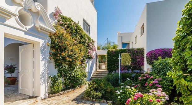 immagine Capri, in vendita la villa del regista Bragaglia dove Totò era di casa