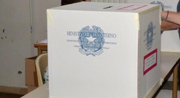 Elezioni nei Comuni della Tuscia, il senatore Fusco tentato dall'idea di candidarsi sindaco