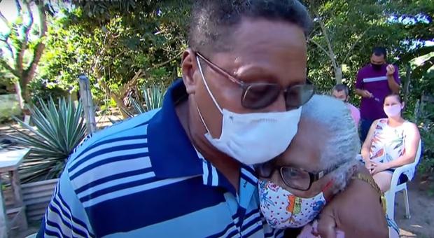 L'abbraccio tra Daniel e la mamma Ana dopo 51 anni