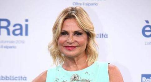 Simona Ventura accusata di evasione fiscale per 500mila euro, il pm: «Ha smesso di pagare»