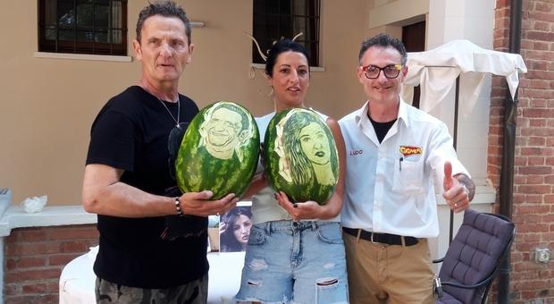 Cocomero da record donato a Montefalco all'attore Enzo Salvi. Ecco come è andata