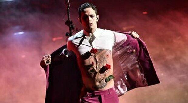Achille Lauro, concerto live rinviato a maggio 2022: la decisione a causa delle norme anti Covid