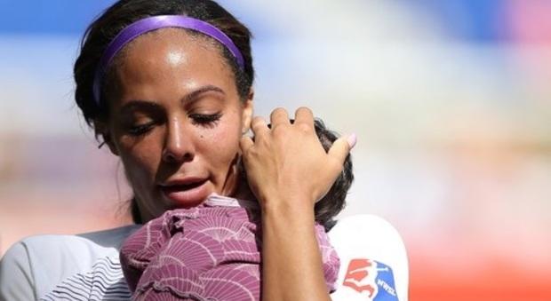 Calcio femminile, la Fifa: tutela alle giocatrici in maternità, 14 settimane di congedo