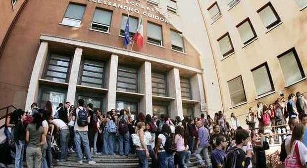 Scuola, la riforma di Renzi: 3 miliardi per assumere 148mila docenti entro il 2015