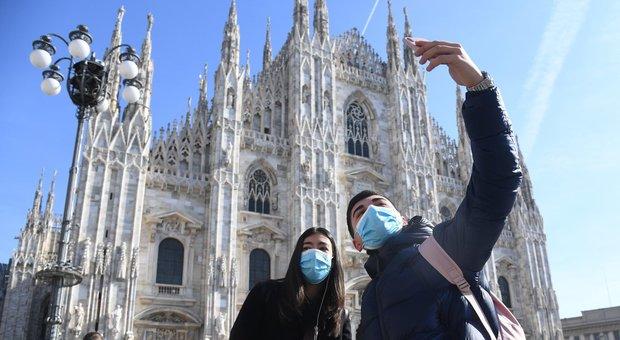 Coronavirus, a Milano muore anziano al Sacco: aveva 80 anni. Città fantasma, treni semivuoti