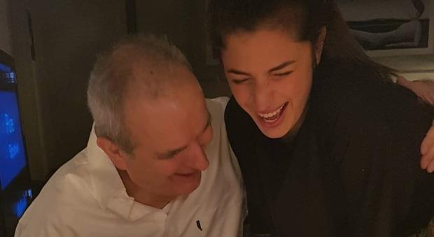 Lamberto Sposini sorride per i suoi 68 anni: Mentana pubblica la foto con la figlia Matilde