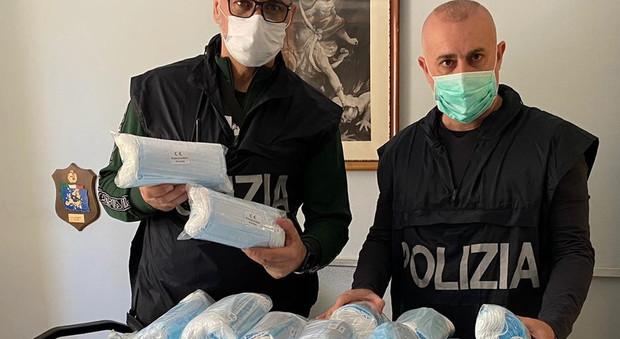 Roma, chiusi due negozi a Primavalle, non rispettavano norme anticontagio. Sequestrate 5mila mascherine
