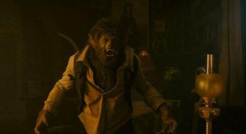 Stasera in tv, venerdì 30 luglio su Italia 2 «The Wolfman»: curiosità e trama del film con Benicio del Toro