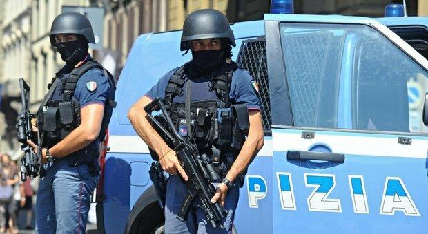 Firenze, accoltella a caso persone in strada: risentito per ritiro Usa dall'Iraq