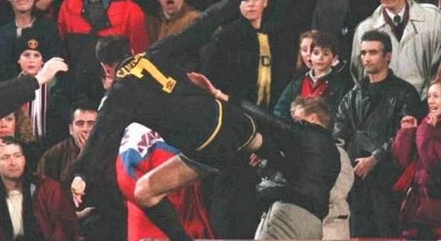 Cantona Contro Il Tifoso Del Crystal Palace Il Calcio Piu Famoso Compie Vent Anni