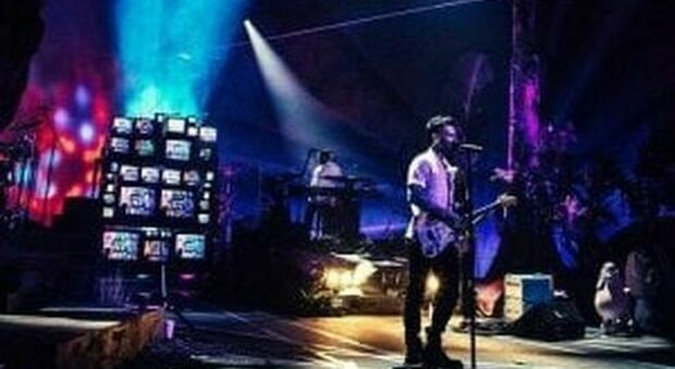 Adam Levine e i Maroon 5 in concerto streaming