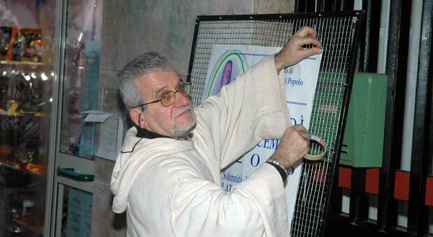 Muore Don Fernando Benigni, il Covid porta via anche il prete degli