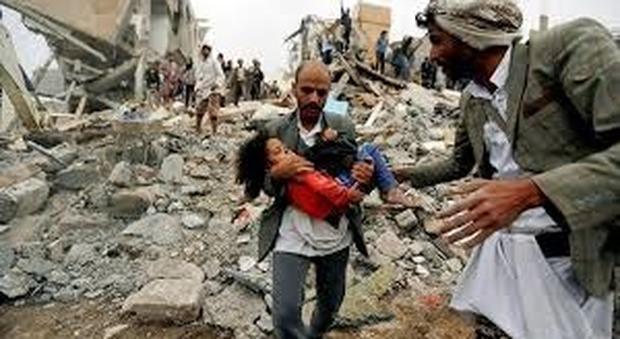 Yemen, bombe sull'ospedale nella città di Hodeida, il grido d'allarme di Save The Children e Unicef