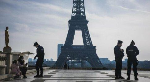 Covid diretta dal Mondo, la Francia proroga il lockdown altri 15 giorni