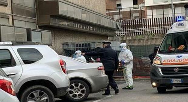 Tribunale Roma, caso sospetto: avvocato portato via in ambulanza