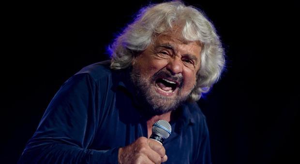 Coronavirus, Beppe Grillo rilancia: «Ora un reddito universale per tutti»