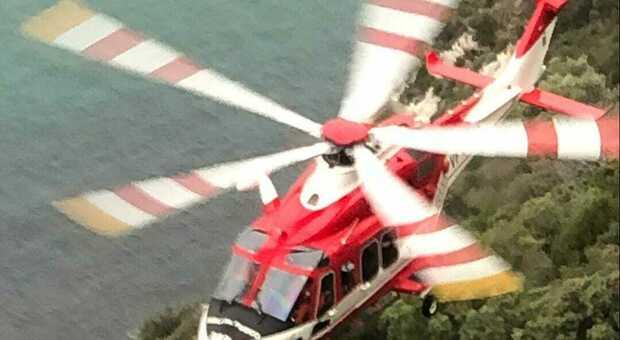 Doppio salvataggio di sette escursionisti sul promontorio del Circeo da parte dei Vigili del fuoco