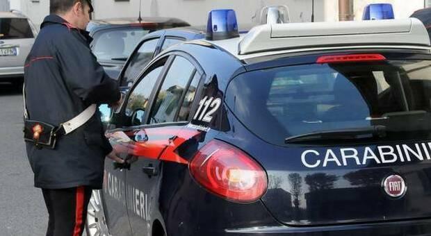 Covid, non vede la famiglia da mesi e tenta il suicidio: 28enne salvata dai carabinieri