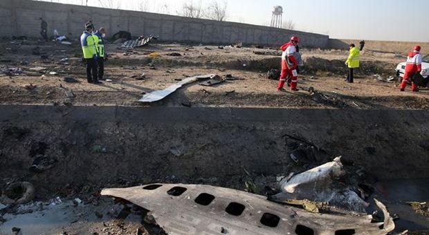 """Iran: piloti esperti, aereo nuovo, errore umano da escludere. Comunque è """"giallo"""""""