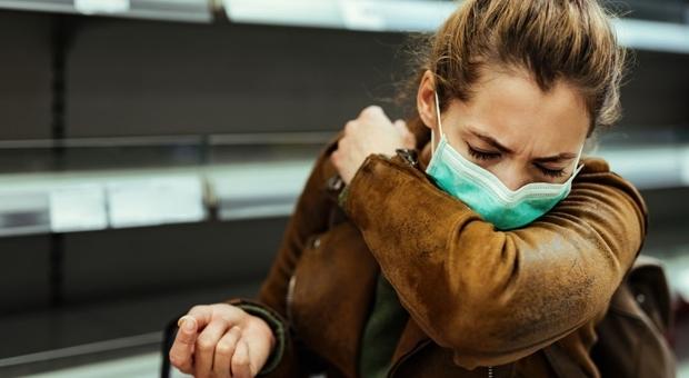 Covid, riconoscere il virus dal suono della tosse: un'app per uno screening «meno invasivo»