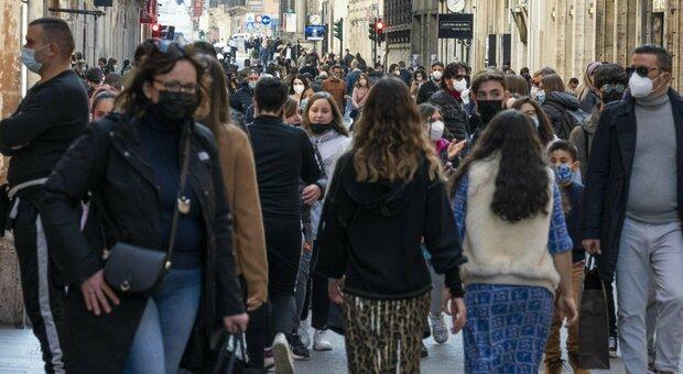 Roma, controlli anti assembramenti da Piazza Fiume a Ostia: oltre 60 sanzioni dei vigili