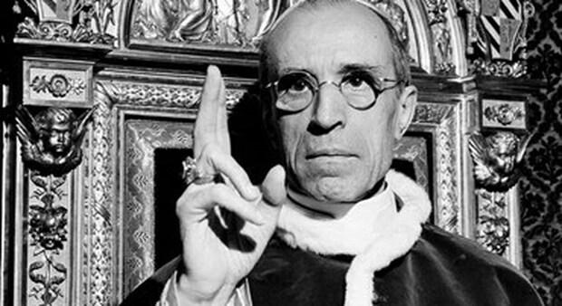 Nazismo, il dilemma sui silenzi di Pio XII ma spuntano altre carte di ebrei che gli chiedevano aiuto