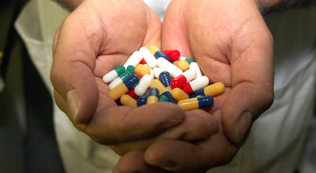 Tumori, studi bocciano nuovi farmaci: pochi benefici rispetto cure standard