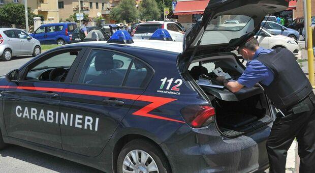 Controlli dei carabinieri (foto Archivio/Ippoliti)