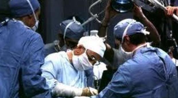 Roma, morì dopo un intervento al seno: condannato chirurgo estetico