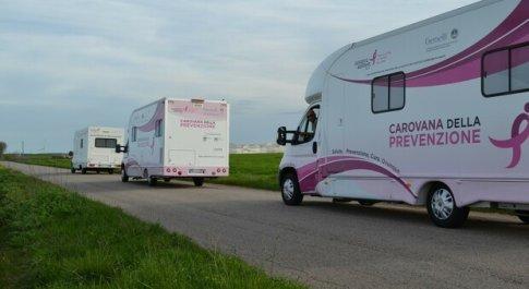 Tumore al seno, meno 35% di controlli. Parte la Carovana della Prevenzione: il 15 e il 16 screening gratuiti a Roma