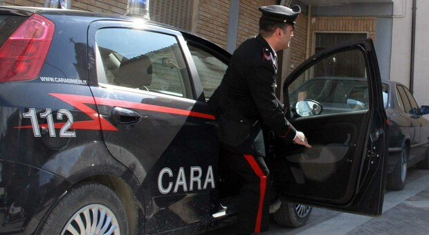 Assalto armato al portavalori, rubate 80mila euro di pensioni: due feriti