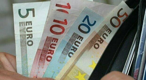 Reddito emergenza, proroga fino a settembre nel Sostegni Bis: a chi spetta e come funziona l'assegno fino a 800 euro