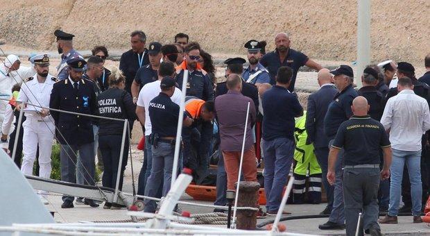 Migranti, naufragio a Lampedusa: 13 donne morte, dispersa anche bimba di 8 mesi
