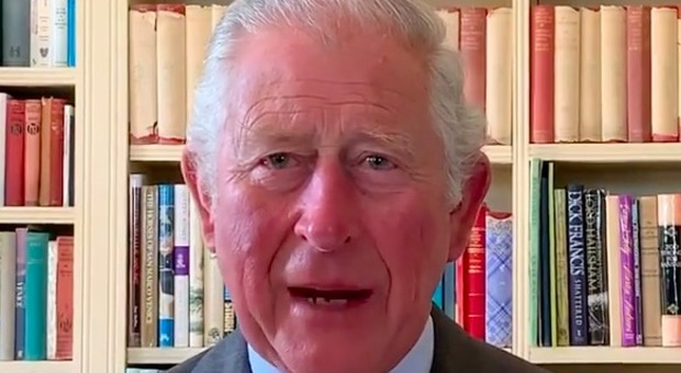 Il principe Carlo, il ricordo commosso al bambino musulmano morto da solo dopo aver contratto il coronavirus