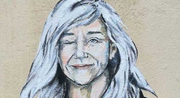Giovanni Botteri Superwoman in un murales: «Non si è scomposta di fronte alle critiche»