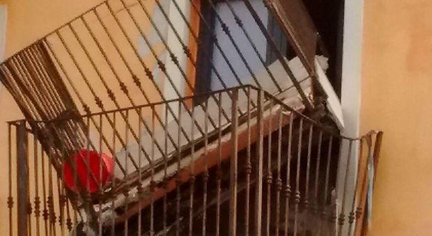 """Terremoto, settimo anniversario: tra """"cartelloni"""" e balconi che cadono ora serve un progetto vero"""