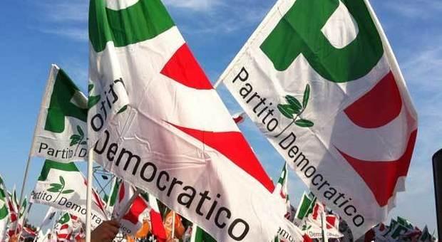 «Aumentiamo gli stipendi dei parlamentari». La proposta del tesoriere Zanda divide il Pd.