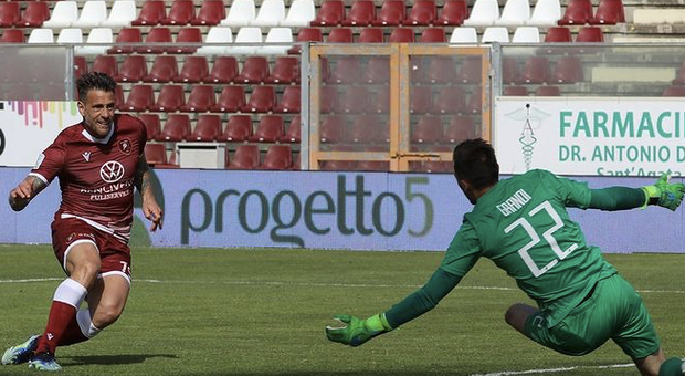 Doppio 3-0. Del Venezia, quarto, sul Cosenza, e della Reggina sul Vicenza. Calabresi a un punto dai playoff