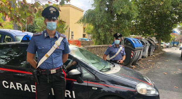 Roma, aggredito dagli «zozzoni» che scaricavano calcinacci: due denunciati